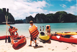 Halong Bay Family Kayak tour
